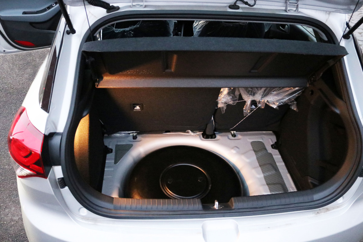 Hyundai i20 Kofferaum mit LPG Tank